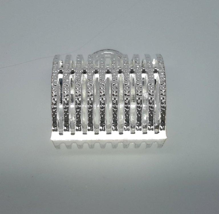 Koppelstuk: zilverkleur, strepen