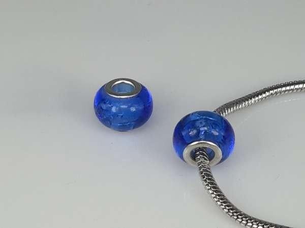 Bedeltje: pandora style murano, blauw met zilver