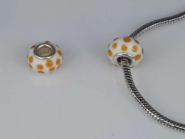 Bedeltje: pandora style murano, wit, oranje stipjes, per 6