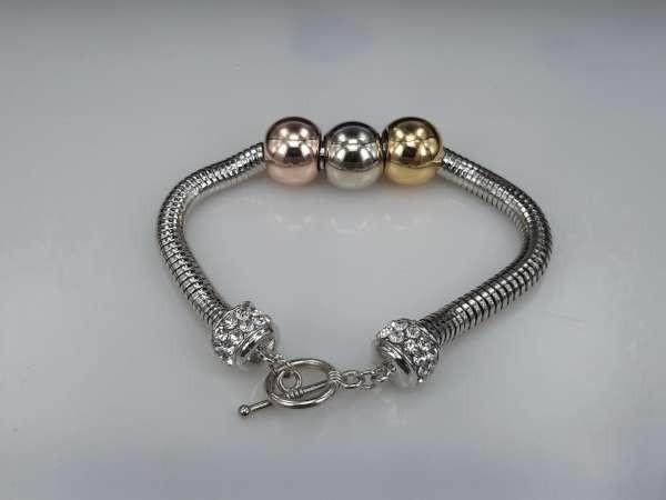 Armband, metalen ringen met 3 verschillende kleur kralen en 2 strasskralen, grote maat