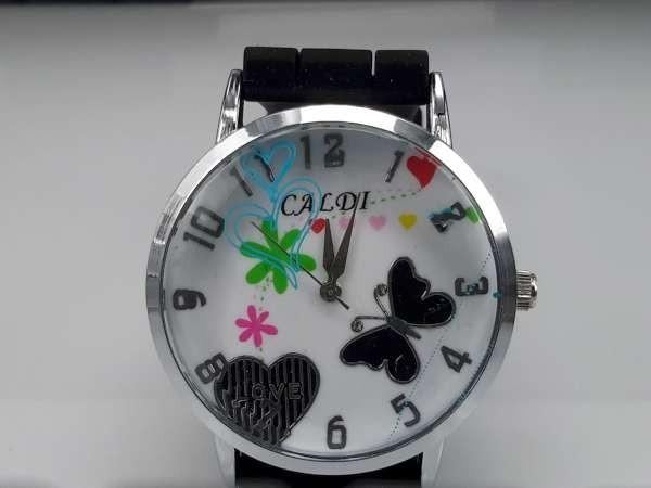 Horloge, zilverkleurig, geribbelde siliconenband, wijzerplaat hartje en vlinder, zwart