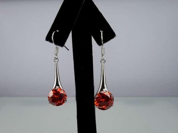 Oorbel, oorhanger, zilverkleur,zilverkleurige hanger met ronde kristalsteen, 4 kleuren