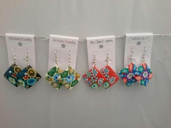 Oorbellen, polymere klei hanger, gebogen vierkant, bloemenreliëf met strass