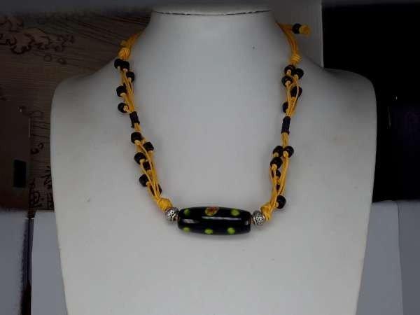 Touwketting, gevlochten, geel, tube-hanger: murano, zwart, groen en bloemen