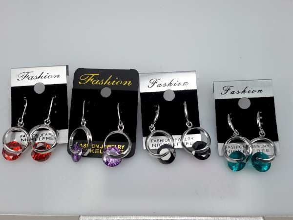 Oorbel, oorhanger, zilverkleur, zilverkleurige hanger, kleine ronde kristalsteen, 5 kleuren