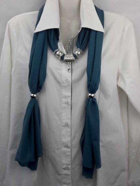 Sjaal met mix koppelstuk en ringen kleur: blauw/ groen.