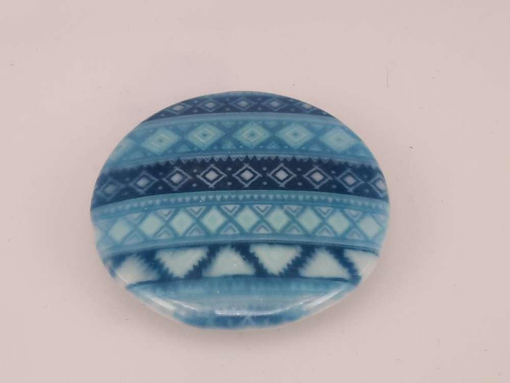 Porseleinen broche met magneetsluiting, Bohemian