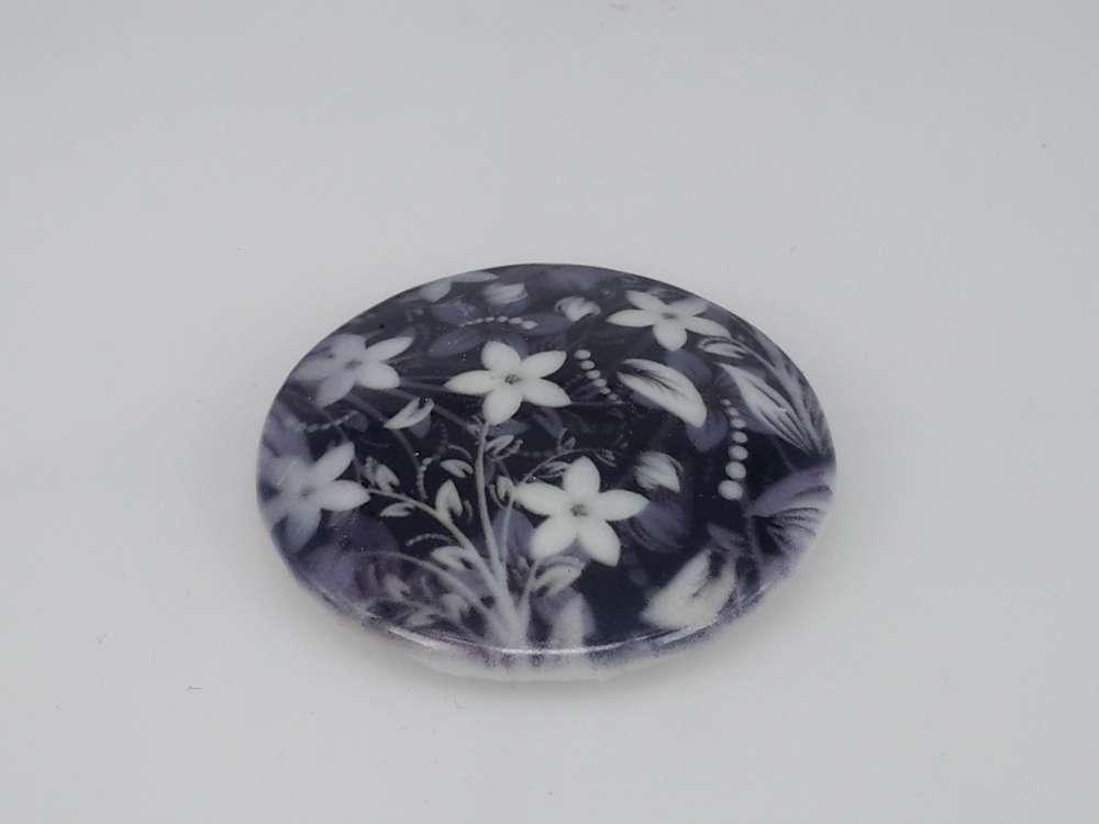 Porseleinen broche met magneetsluiting, sierbloemetjes