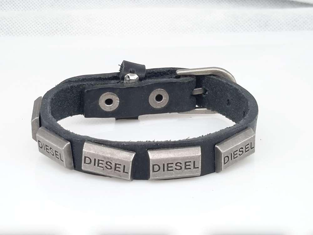 Leren Armband, 5 studs 'diesel'look, gesp