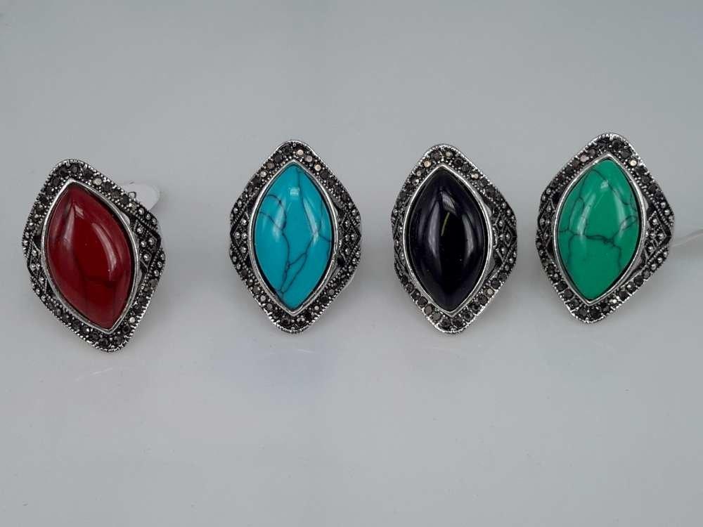 Zilverkleurig antiek look Howliet edelsteen kleur turquoise, rood,zwart,groen. doos 50 stuks.