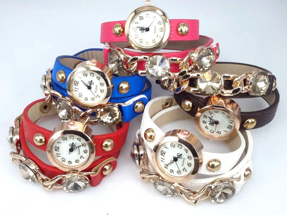 Armbandhorloge, PU leren wrap (2), goudkleur, schakelketting en 3 grote facet geslepen kristal, 5 kleuren