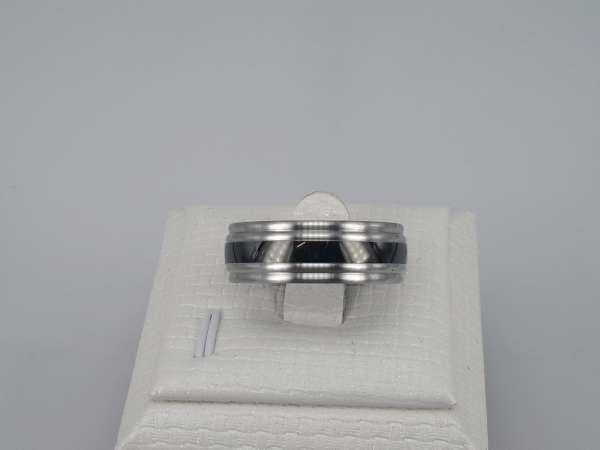 Edelstaal Ringen, zwarte band, doos 36st