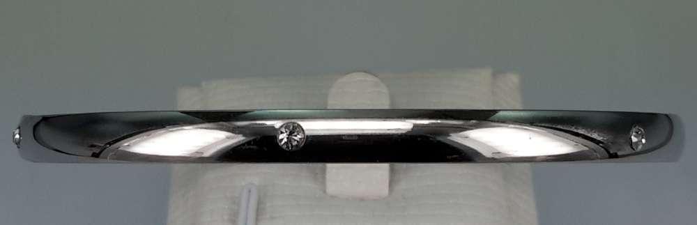 Edelstaal slaaf Armband met 6 kristal omheen.