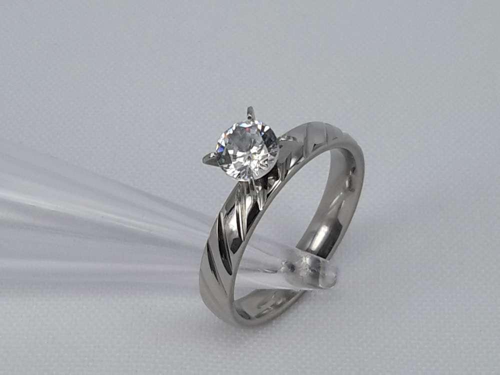 Edelstaal Ringen zilverkleurig ring met schuin streep bezet 5mm zirconia, doos 36 st