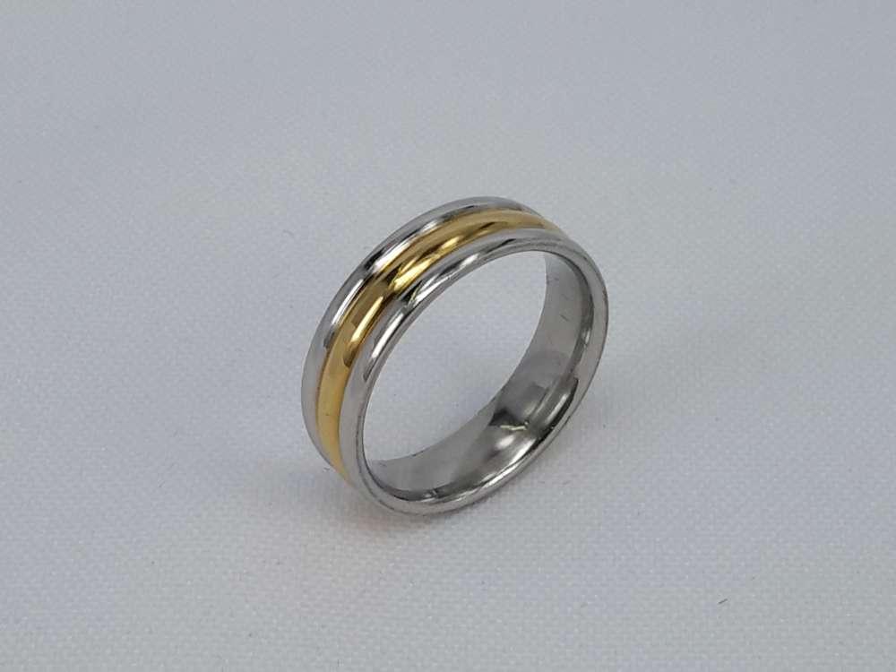 Edelstaal Ringen 6 mm breed Goud/zilverkleurig ring. doos 36 st