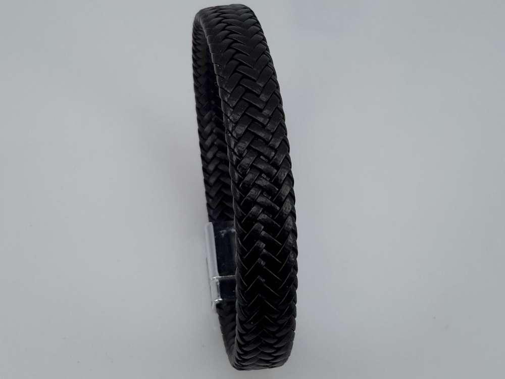 Lederen fijne gevlochten armband zwart met magneet sluiting.