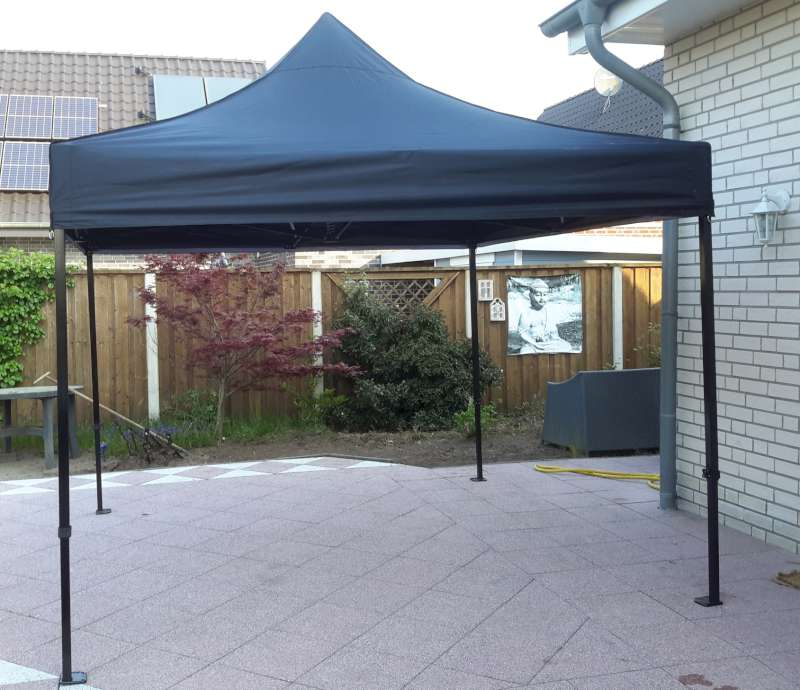 Easy-up tent