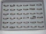 Edelstaal Ringen zilverkleurig gezet rond omheen met facet geslepen kristal, doos 36 st_