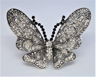 Broche voor sjaal, Vlinder, antiek zilver kleur, vol strass steentjes.