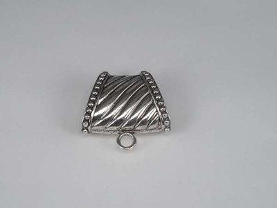 Koppelstuk: zilverkleur, diagonale strepen