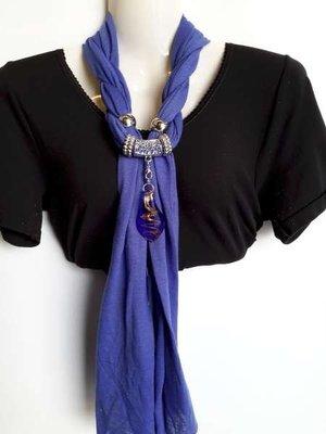 Sjaal met murano glashanger, kobaltblauw en rood