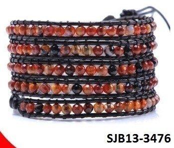 Wrap armband, bruin leer, ronde rode tijgeroog edelstenen kralen
