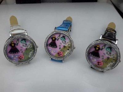 Horloge, zilverkleur, strass, PU leren band, klok: jurkje, buideltje, 3 kleuren