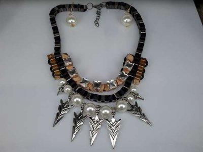Set: ketting / oorbellen, grove schakels, zwart, goud, zilverkleur, parelkralen