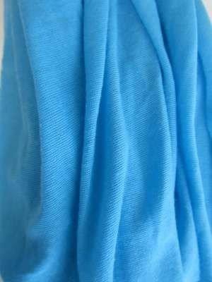 Basis uni viscose sjaal, turquoise blauw.