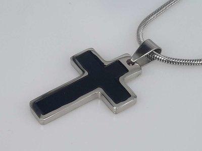 Edelstaal hanger: Kruisje plat, zwarte inleg
