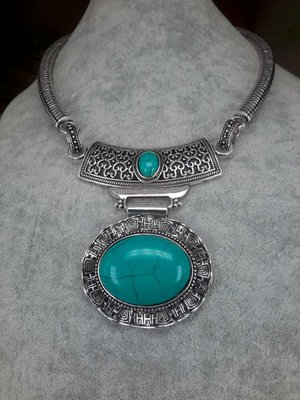 Ketting, Howliet edelsteen ovaal, gegolfd, turquoise