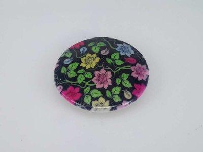 Porseleinen broche met magneetsluiting, bloemetjes