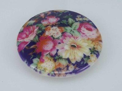 Porseleinen broche met magneetsluiting, Bouquet
