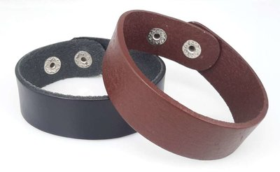 Half brede Leren armband, glad, zwart of bruin