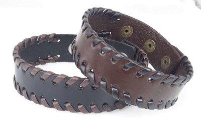 Half brede Leren armband, glad, zijkant vlecht, zwart of bruin