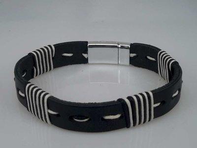 Leren Armband zwart, gestikt zwart-wit, 4 dwars draad, magneetsluiting