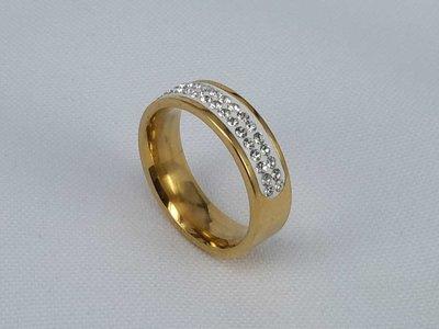 Edelstaal Ringen goudkleurig half rond omheen met dubbel rijen zirkonia, doos 36 st