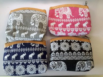 Portemonnee met 6 verschillende olifant  print.