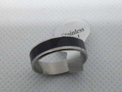 Edelstaal Ringen,zilverkleur met midden zwarte, doos 36st
