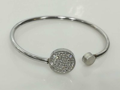 Edelstaal smalle ronde open Armband met rond strass steentjes.