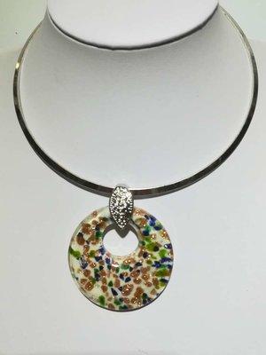 Hanger: murano, wit, open rond, groen, blauw en goudkleur