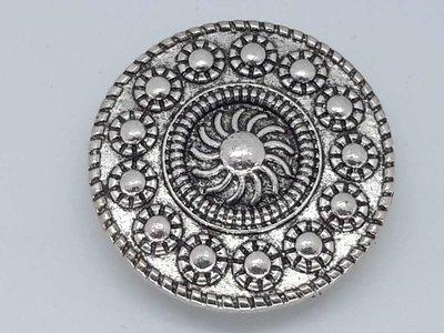 Magneet Broche, zeeuws knop, zilverkleur.