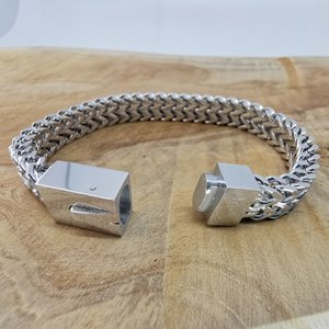 Armband 19cm, dubbele VV schakel, drukslot sluiting, edelstaal