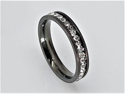 zwarte Ringen, facet strass, edelstaal