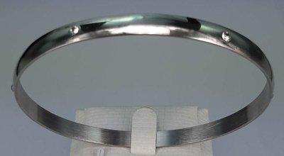Edelstaal slaaf Armband breed met 6 kristal omheen.