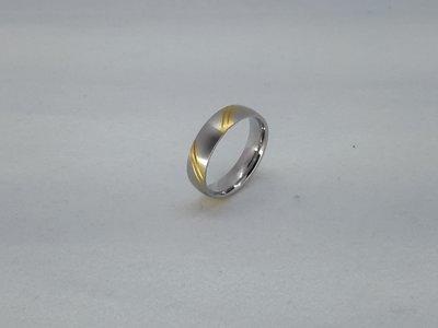 Ringen, diag streep goudkl, edelstaal geborsteld